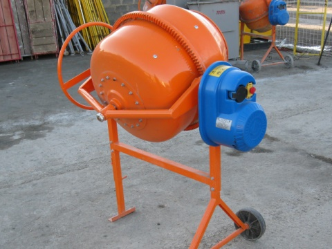 Portable concrete mixer Lebedyan SBR-170A.3 to rent - 1